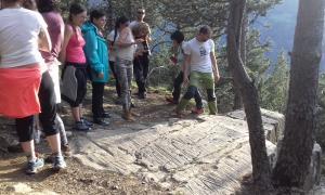 Visita al jaciment de Prats guiada per l'arqueòleg Gerard Remolins, coincidint amb el solstici d'estiu del 2018.