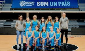 L'equip infantil femení del BC MoraBanc