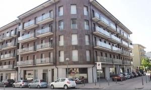 Bloc de pisos a la plaça d'Europa, a la capital alturgellenc.