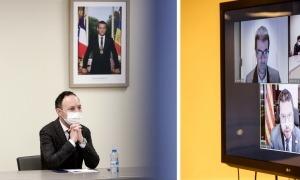Un instant de la reunió telemàtica entre Espot i Aragonès, ahir.