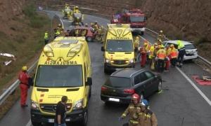El lloc de l'accident amb els serveis d'emergències.