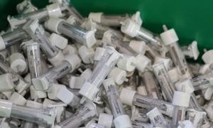 El material per fer els tests d'anticossos.