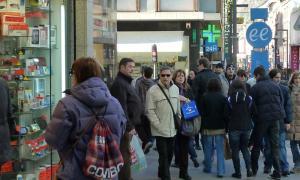 Andorra lidera l'ús del català al comerç de proximitat Andorra lidera l'ús del català al comerç de proximitat