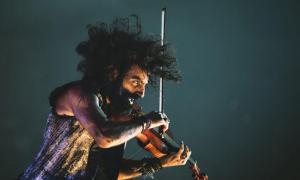 El violinista hispano-libanès tornarà al Principat; va debutar al gener del 2017 a l'Auditori.