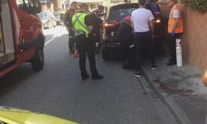 Els serveis d'emergències van atendre la dona ferida.