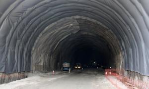 Obres al túnel, ara paral·litzades.