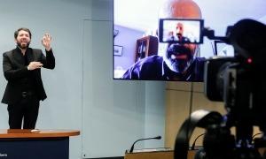 El ministre de Salut, Joan Martínez Benazet, en la compareixença d'aquest migdia, que ha mantingut com és habitual via skype.