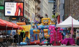 Una quarantena de comerciants del Pas participen a la 'Braderie' amb l'objectiu d'omplir els carrers de turistes