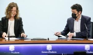 Sílvia Calvó i Josep Àngel Mortés han signat el conveni.