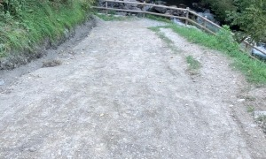 El Comú ha procedit també a arranjar la rampa d'accés al camí Ral.