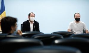 El director de l'Oficina de l'Energia i el Canvi Climàtic, Carles Miquel, i el coordinador de sostenibilitat i investigador de l'Andorra Recerca+Innovació, Oriol Travesset.