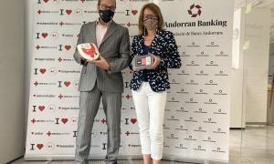 Josep Pol i Esther Puigcercós amb els nous terminals.
