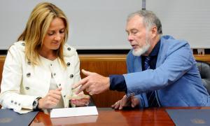 El Govern signa el contracte de donació a l'Arxiu Nacional del fons Isabelle Sandy  El Govern signa el contracte de donació a l'Arxiu Nacional del fons Isabelle Sandy