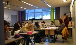 Alumnes de segona ensenyança de l'escola andorrana d'Ordino en el 13è Dictat nacional.