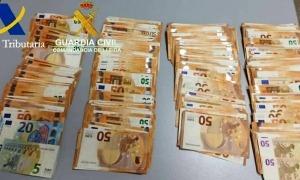 Els diners intervinguts al punt fronterer de la Farga de Moles.