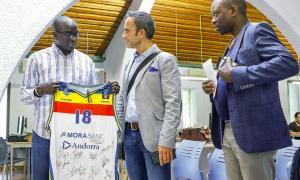 Ibrahima Niang, Alain Cabanes i Omer Medzela han presentat l'11a Setmana a la diversitat.