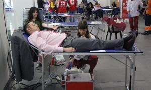 ANA/ El secretari d'Estat de Salut, Joan Antoni León, donant sang.