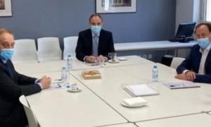 Francesc Mora i Joan Tomàs durant la trobada amb el líder de Terceravia, Josep Pintat.