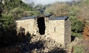 Imatge de l'església després de l'ensorrament del campanar.