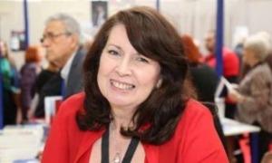 L'escriptora Hélène Legrais.
