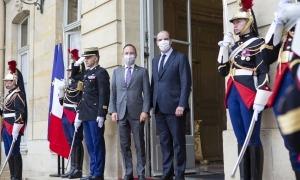 Xavier Espot i Jean Castex aquest matí a l'entrada de Matignon.
