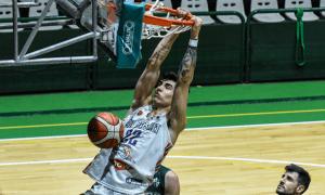 Fausto Ruesga, amb el Weber Bahía Basket. Foto: Twitter