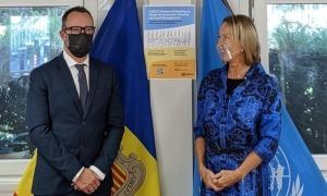 El ministre de Territori i Habitatge, Víctor Filloy, amb la secretària executiva d'Unece, Olga Algayerovà.