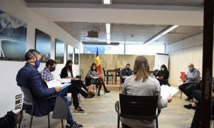 La reiunió de la Taula permanent de la joventut presidida pel ministre d'Afers Socials, Habitatge i Joventut, Víctor Filloy.