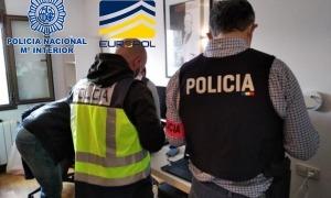 Un dels escorcolls efectuats el passat mes de febrer per policies espanyols i andorrans.