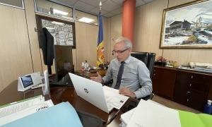 El cònsol major de Canillo, Francesc Camp, durant la sessió del consell d'infants d'avui.