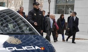 Jordi Pujol, Marta Ferrusola i els seus advocats després de declarar davant el jutge de l'Audiència Nacional el 10 de febrer del 2016.