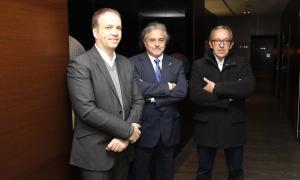 Al centre, el president de FGC, Enric Ticó, en la roda de premsa de dimecres.