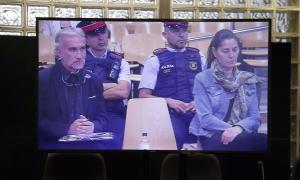 Els pares de Nadia durant una de les jornades del judici a l'Audiència Provincial de Lleida.