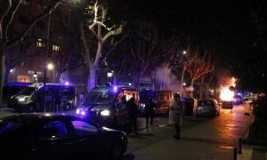 Crema d'un contenidor a la Rambla Ferran de Lleida, ahir.