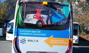 La promoció de l'aplicació als autobusos.