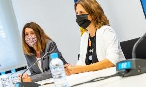 La cònsol escaldenca, amb la directora del departament de Cultura, Anna García, a l'esquerra.