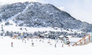 Esquiadors a les pistes de Grandvalira.