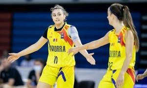 Carla Solana i Clàudia Brunet, amb la selecció. Foto: FIBAEUROPE