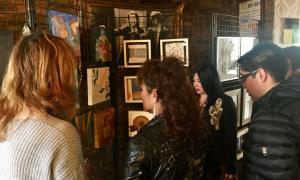Els artistes participants a Subhastart, a l'exposició, al Món Bohemi de la Massa