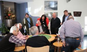 Els candidats de d'Acord amb un grup de padrins d'Encamp.