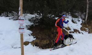 La carretera ha servit per practicar esports de muntanya.