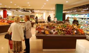 Una imatge de l'interior d'un supermercat.