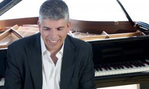 El compositor i pianista massanenc, en una imatge promocional.
