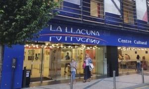 L'escola de música s'ubica a la Llacuna.