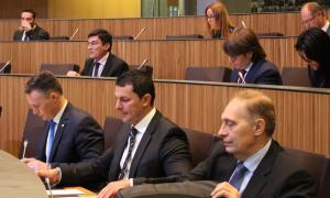 El Consell encomana al Govern la creació d'una taula de treball per analitzar les propostes liberals sobre sanitatEl Consell encomana al Govern la creació d'una taula de treball per analitzar les propostes liberals sobre sanitat