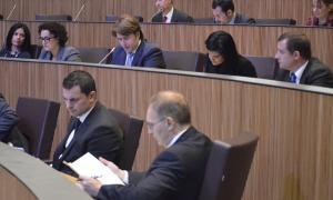 Tres noves peticions d'empara al síndic per la manca d'informació