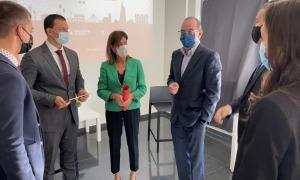 Gallardo i Vilarrubla amb representants de les empreses participants al Tàndem.