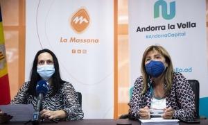 Olga Molné i Conxita Marsol durant la compareixença d'aquesta tarda.