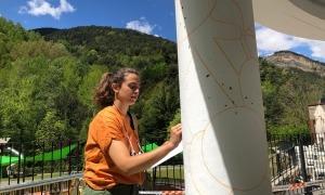 Rodrigo pintant el mural.