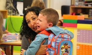 Tornada al cole amb normalitat Uns 11.000 alumnes dels tres sistemes educatius inicien un nou curs escolar